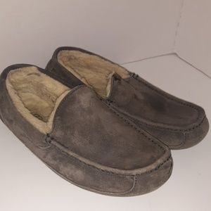 Uggs mens slip on size 9